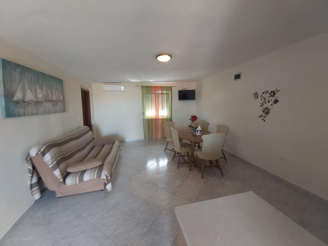 Apartment Nin Four